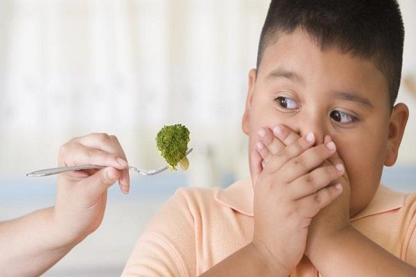 Παιδιά και έφηβοι και παιδική παχυσαρκία. Η παιδοψυχολόγος Μαρία Παπουτσή μιλάει για την διατροφική ψυχοθεραπεία και την παιδική παχυσαρκία