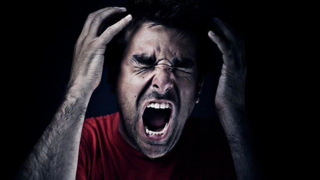 Άντρας με θυμό
